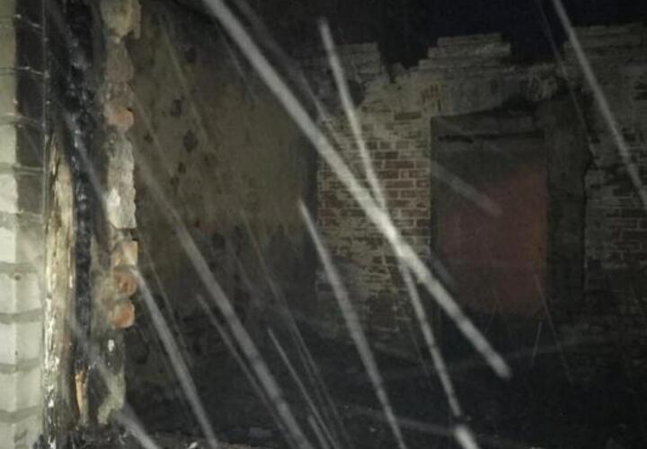 У матери, потерявшей в пожаре в кубанской станице троих детей, одна надежда — на спонсора