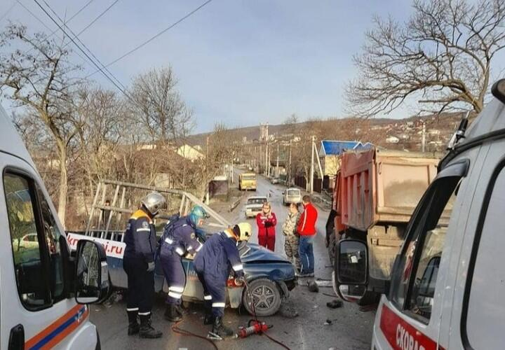 Под Новороссийском произошло жесткое ДТП
