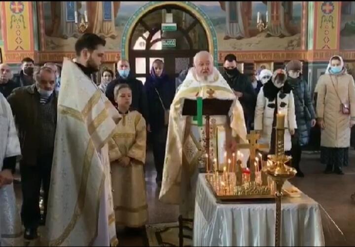 Сегодня в кубанских храмах прошли службы об убиенных и репрессированных казаках (ВИДЕО)