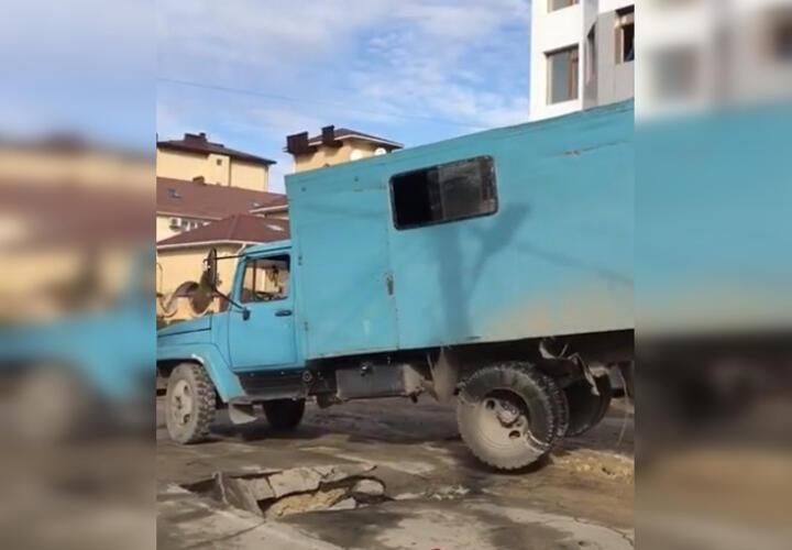 В Анапе без воды остались 20 домов (ВИДЕО)