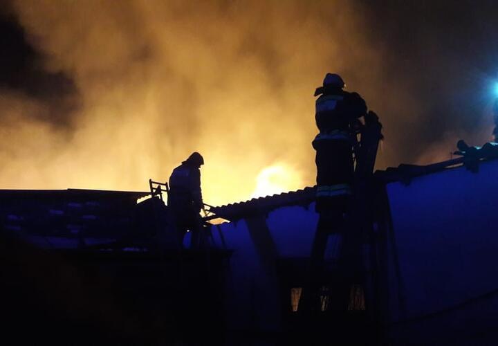 В Динском районе Краснодарского края пожар потушили (ВИДЕО)