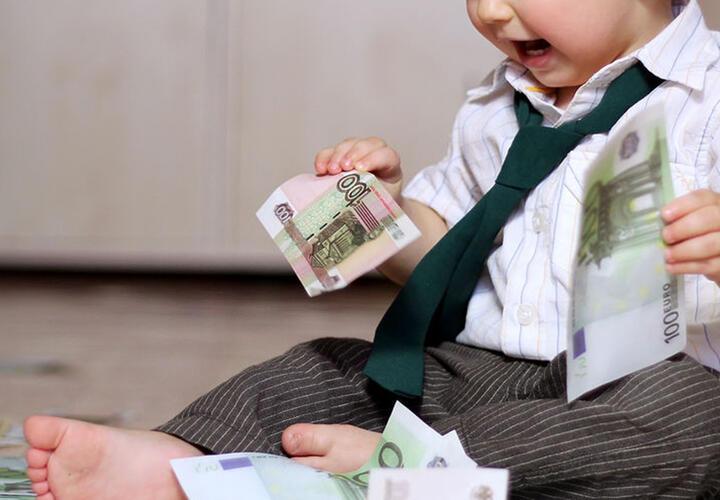 Минтруд смягчил требования для получения детских пособий