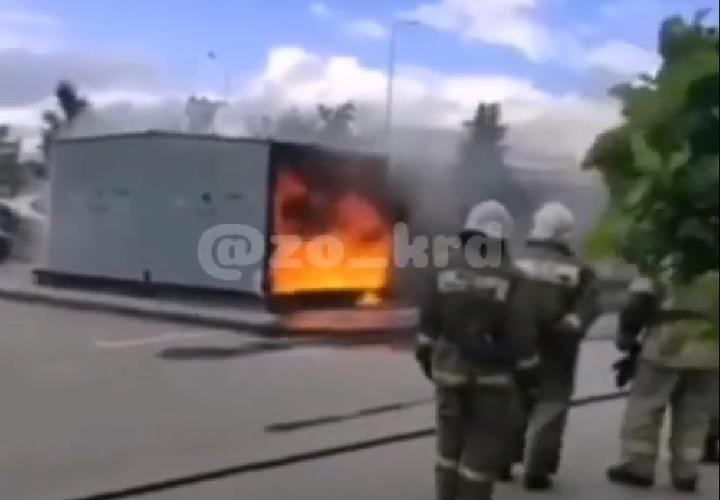 В Краснодаре сгорела подстанция ВИДЕО