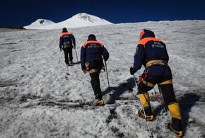 Спасатели вторые сутки ищут пропавшего на Эльбрусе уроженца Кубани