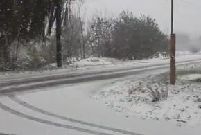 Тихорецк и Армавир засыпало снегом