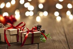 Человек, у которого все есть, тоже ждет новогодний подарок