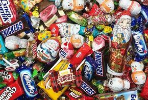 Мэрия закупила детям просроченные новогодние сладости