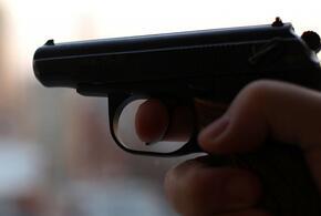 На Кубани лжеполицейский угрожал пистолетом посетителю магазина