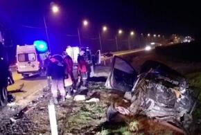 На Кубани в жестком ДТП пострадали два человека