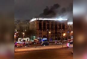 В Москве горит здание Мосгоргеотреста