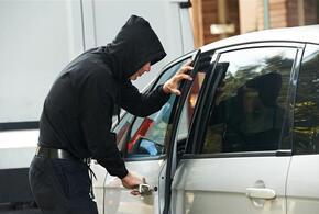 Мужчина уснул за рулем похищенного автомобиля