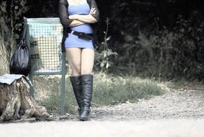 Приспичило: слесарь взял кредит на проститутку и разорился