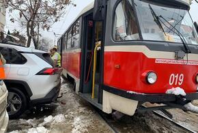 В Краснодаре из-за ДТП парализовано движение трамваев