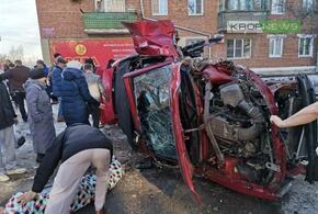 В Краснодарском крае приезжие вдребезги разбили кабриолет