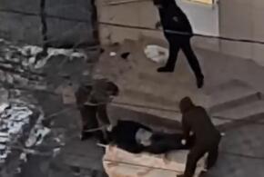 В Новороссийске мужчина насмерть замерз у входа в магазин