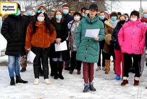 Жители Елизаветинской записали видеообращение к министру дорожного хозяйства Краснодарского края