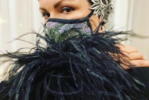 Анна Нетребко отказалась от медицинской маски