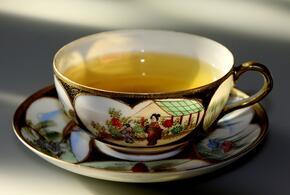 Мужчина выкупил слюну с COVID-19 и подливал ее в чай начальнику
