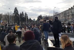 Путин подписал законы о штрафах для митингующих и самоиндентификации иноагентов