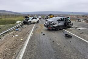 Под Новороссийском столкнулись сразу четыре машины
