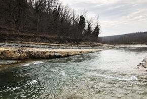 В Геленджике предприниматели перекрыли проход к реке Мезыбь