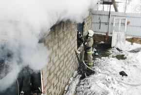 В Туапсинском районе пламя уничтожило крышу частного дома