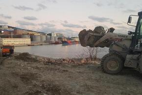 В Краснодарском крае на пляже начали строить терминал?