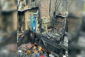 При пожаре в бараке Сочи сгорел мужчина