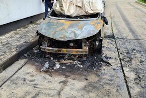 В Анапе неизвестные подожгли иномарку