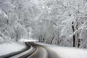 В Новороссийске выпал снег ВИДЕО